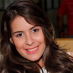 Para a estudante Tâmella Almeida usar app de mensagem é mais rápido do que falar ao telefone (Foto: Arquivo pessoal)