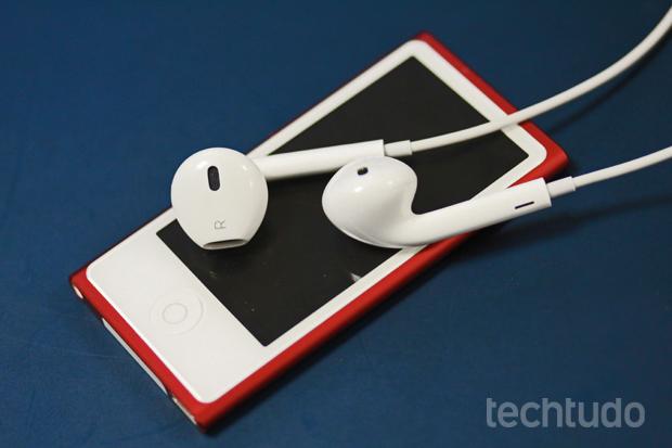 EarPods acompanham iPods nano e touch (Foto: Marlon Câmara/TechTudo)