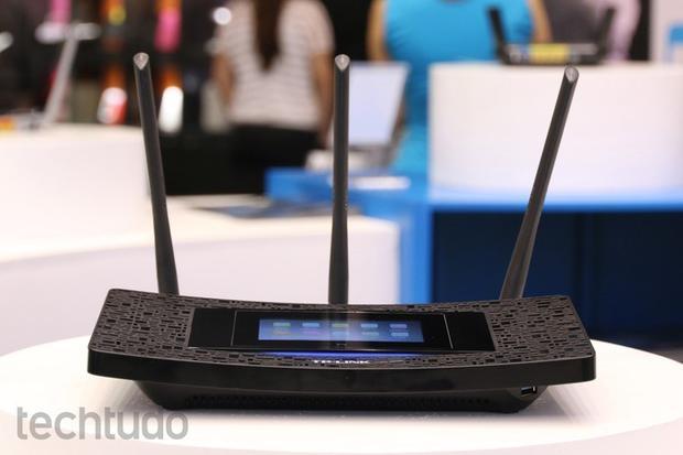 Veja as dicas para melhorar sua rede Wi-Fi e assistir seus filmes com mais qualidade e rapidez (Foto: Nicolly Vimercate/TechTudo)