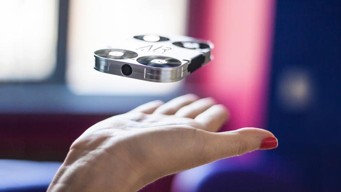 AirSelfie é o drone desenvolvido para tirar selfies (Reprodução/Kickstarter)