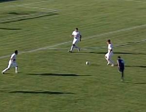 02e117f4c0 Bahia de Feira empata com o Serrano e pega o Vitória na final. Tremendão  empatou em 1 ...