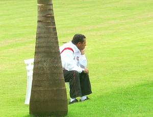 Luxemburgo no treino do Flamengo em Londrina (Foto: Janir Junior / GLOBOESPORTE.COM)