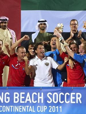 d8073d4aca Russia comemora o tituilo do Torneio de Dubai futebol de areia com os  sheiks nos Emirados