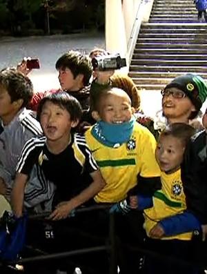 Torcida japão barcelona santos messi neymar (Foto: Reprodução SporTV)
