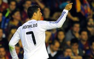 2e0e7c5114 Torcida do Real esgota camisas de Cristiano Ronaldo em loja oficial ...