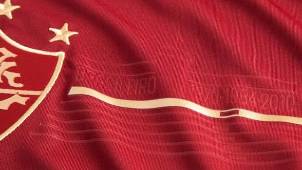54058096d0 Fluminense enfrenta o Inter com novo e polêmico terceiro uniforme ...