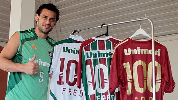 fred fluminense camisa 100 jogos (Foto  Divulgação Sito Oficial do  Fluminense) 0fd8b9eead5b5