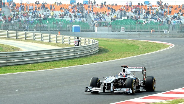 Barrichello no treino do GP da India (Foto: AFP)