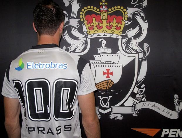 b3b72bd31d Prass completa 100 jogos pelo Vasco e sonha encerrar a carreira no ...