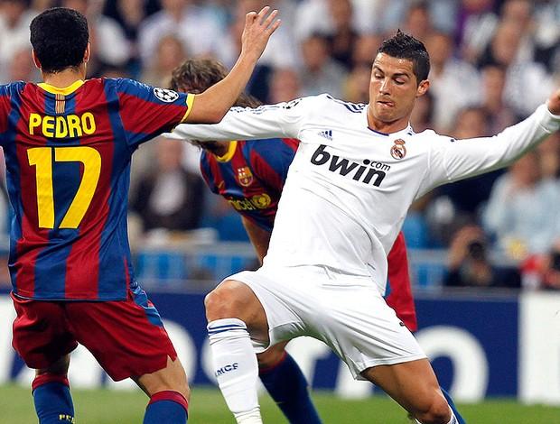 Cristiano Ronaldo na partida do Real Madrid contra o Barcelona (Foto  EFE) 73b8e9d76543c
