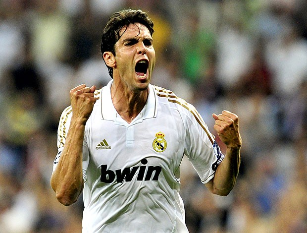 Kaká comemora gol do Real Madrid contra o Ajax (Foto: AFP)
