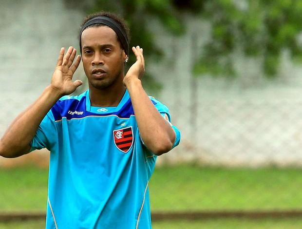 Ronaldinho Gaúcho no treino do Flamengo  (Foto: Cezar Loureiro / Agência O Globo)