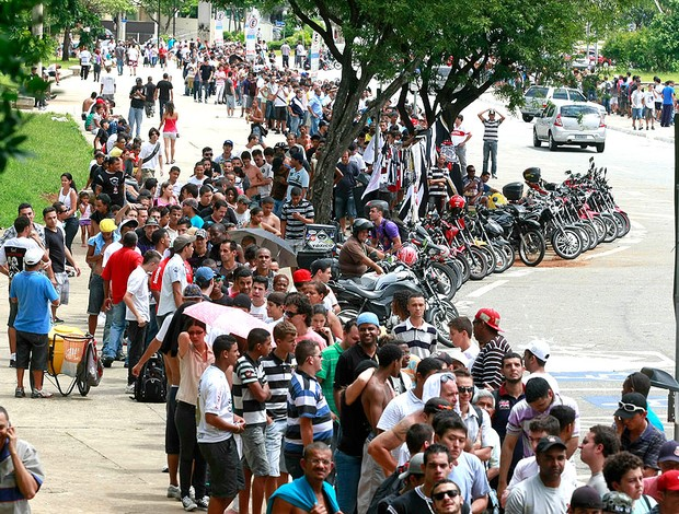 ec4b320c9a Procura por ingressos para a decisão da Copinha é grande no Pacaembu ...