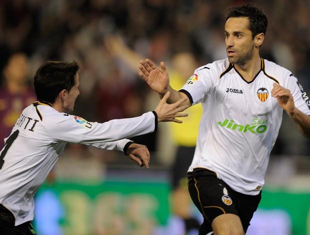 bfc2948138 Jonas comemora gol do Valencia sobre o Barcelona (Foto  AFP)