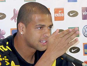 Felipe Melo na coletiva da seleção brasileira