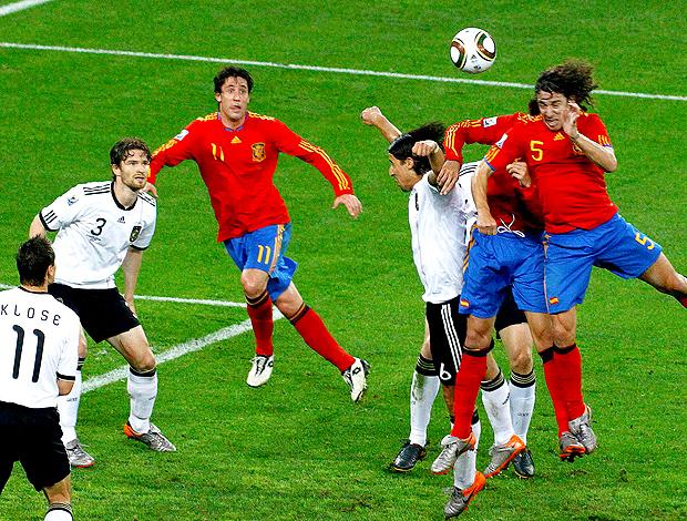 Puyol cabeça gol Espanha