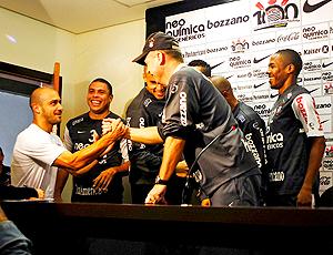 Mano Menezes em coletiva - invasão jogadores Corinthians
