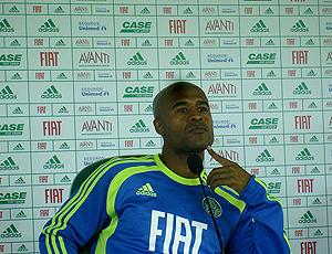 1d0872a0fb Marcos Assunção promete tirar o pé para evitar cartões no Palmeiras ...