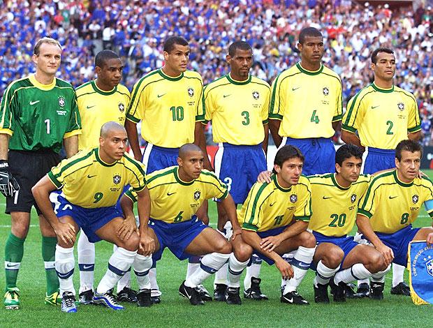 seleção brasileira na final da Copa do Mundo em 1998 (Foto  AFP) 63715c630c5f9
