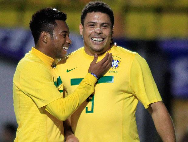 57052a045d5ae Ovacionado, Ronaldo perde boas chances e pede desculpas à torcida ...
