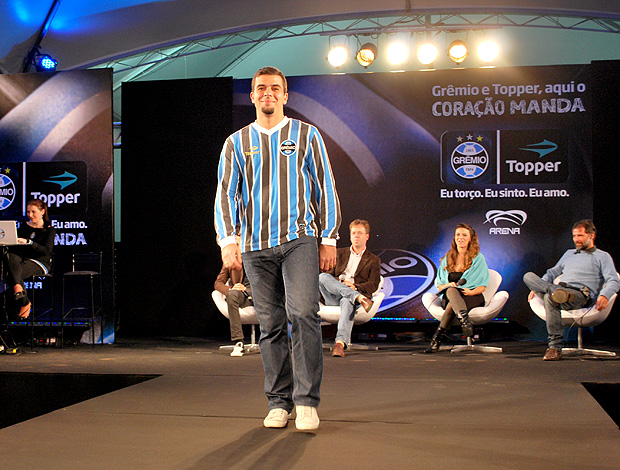 00498e8af8 André Lima camisa nova Grêmio Renato Gaúcho (Foto  Adilson Barros    Globoesporte.com
