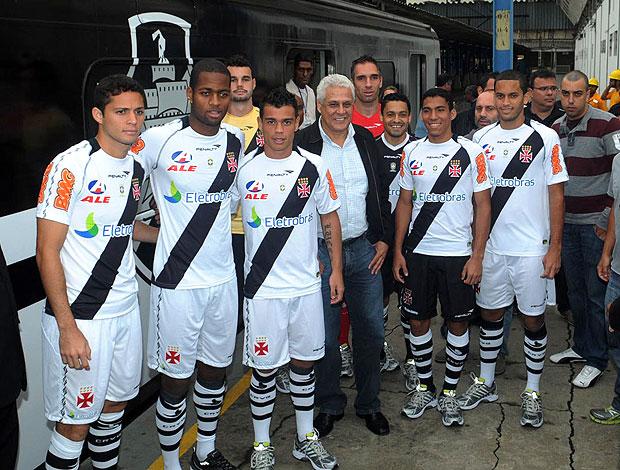apresentação do novo uniforme do Vasco (Foto  André Durão   GLOBOESPORTE. c778e7c27ad68