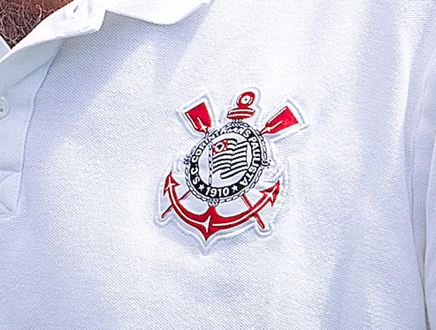 1d570968f1 Timão exclui do uniforme as cinco estrelas acima do escudo do clube ...