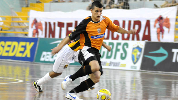 7cc176799c Carlos Barbosa goleia o Tigre em sua estreia na Taça Brasil de ...