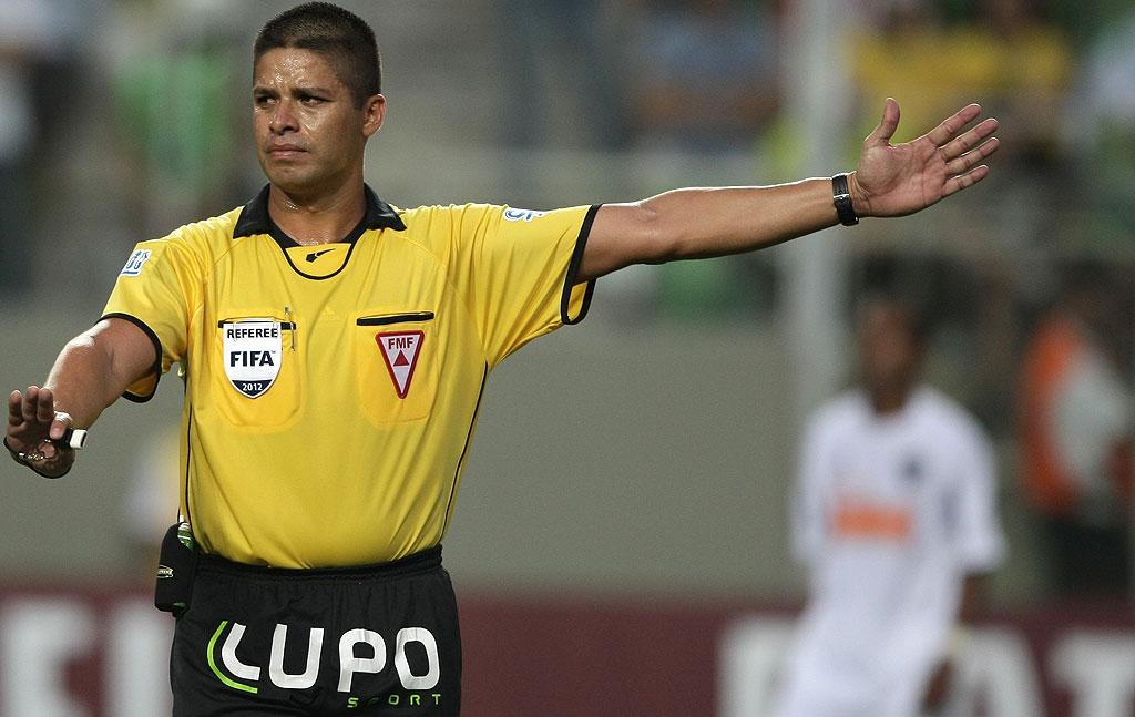 Árbitro Fifa, Francisco Carlos comenta orientações da entidade para a Copa  | globoesporte.com