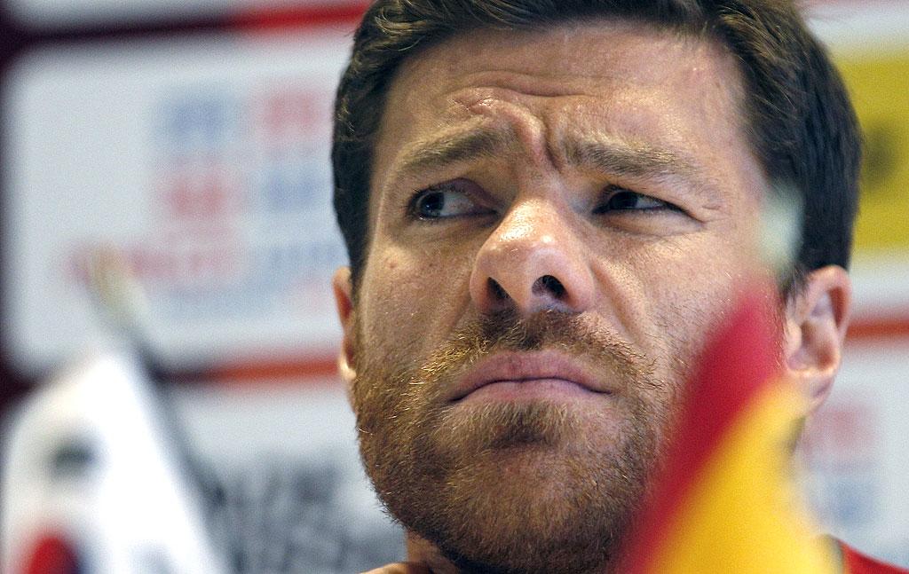 Xabi Alonso é cortado da seleção espanhola para jogo com o Uruguai ... 02f7a08d831c0