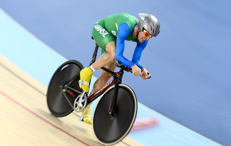 957b70a9bb4 Brasileiros ficam longe do pódio no ciclismo de pista contra relógio ...