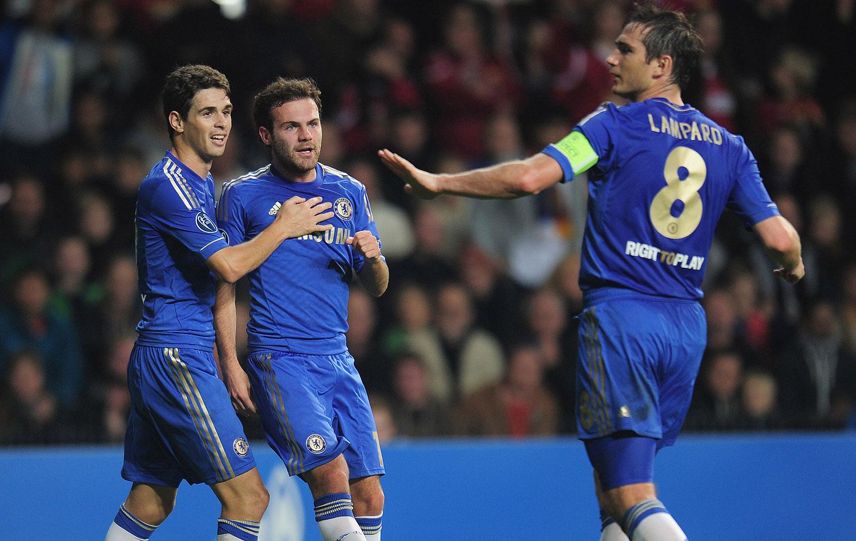 Chelsea muda de cara com Di Matteo e se reinventa com trio ofensivo ... 7c8b8ad903e93