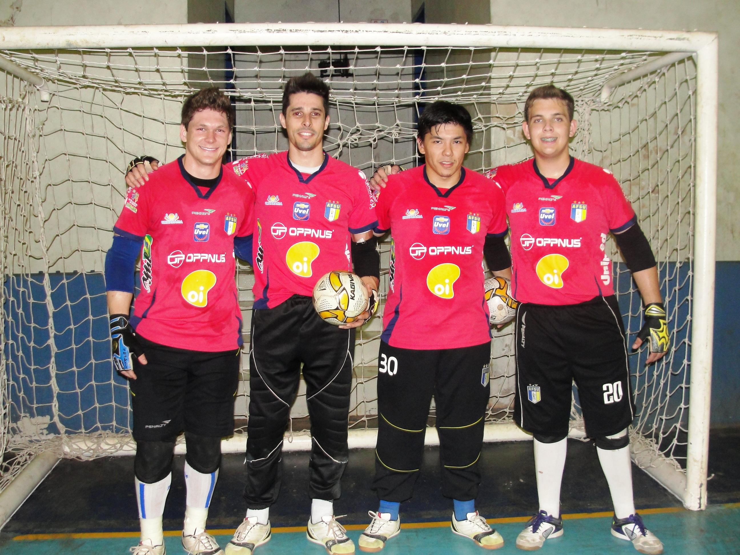 ad69e53632b02 Goleiros do Umuarama Futsal aderem à campanha do Outubro Rosa ...
