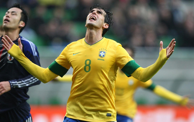 Roger destaca gol de Kaká   Correu 50 metros e bateu com a perna ruim   389ae76b52719
