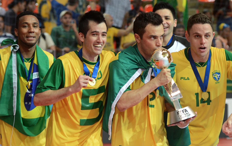 Retrospectiva 2012  Brasil conquista o mundo 542895bc8ec8a