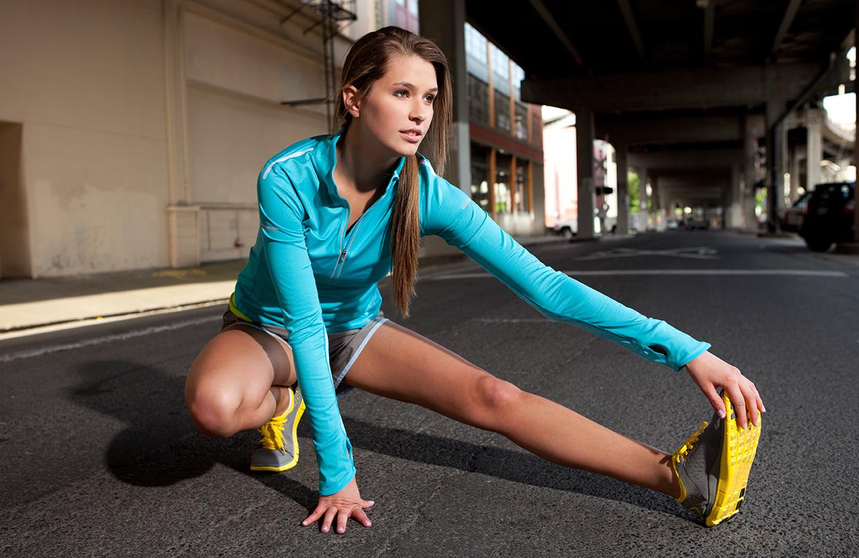 Como se alongar corretamente antes dos exercícios