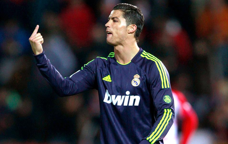 Cristiano Ronaldo marca contra a84043319fc04