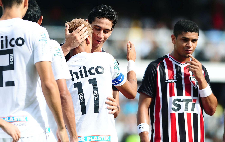Neymar conduz Santos na vitória sobre São Paulo  Ganso é hostilizado ... e2adc284bdb6a