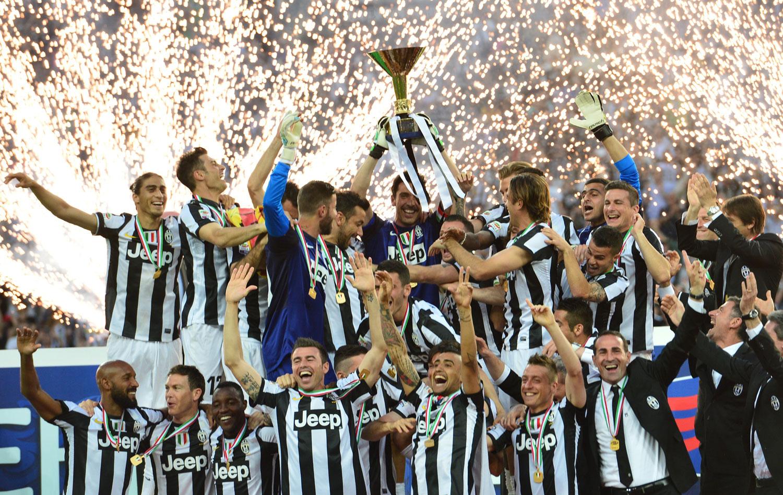 00e0c0df41 Em dia de festa pelo título Italiano