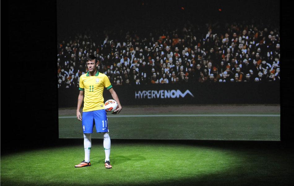 406258ffa5 Neymar lança chuteira no Rio e se diz ansioso com o Barça   Frio na  barriga