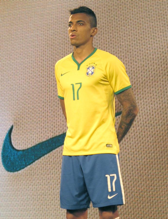 c72625b81f Seleção lança uniforme da Copa