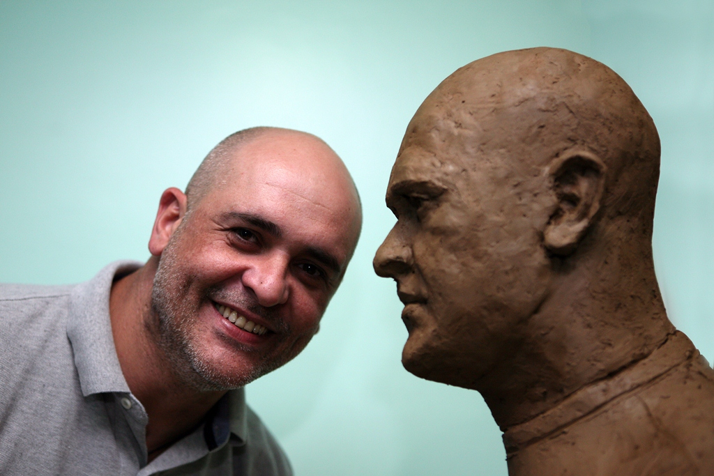 0ddf5ee1d São Marcos  aprova molde de busto em sua homenagem  veja a foto ...