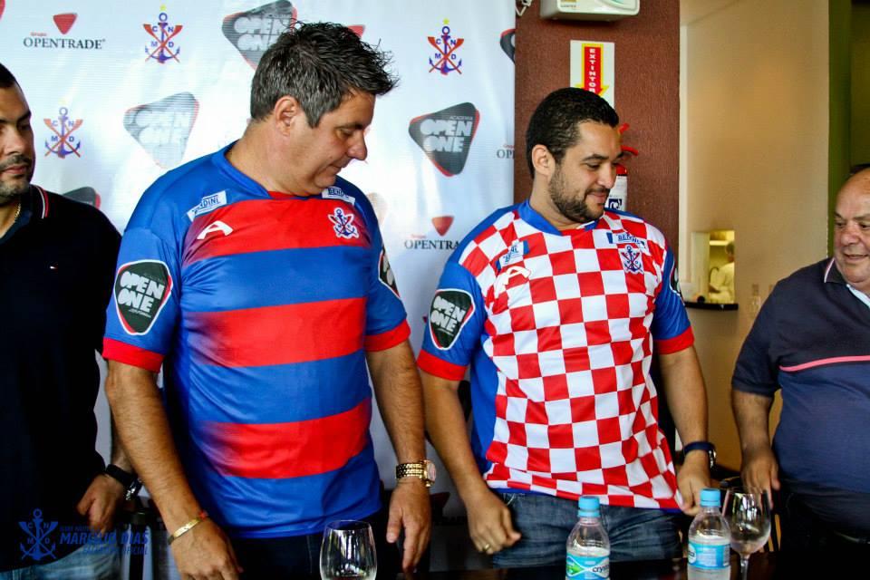 329420be01 Marcílio recria histórica camisa  toalha de mesa  à la seleção da Croácia