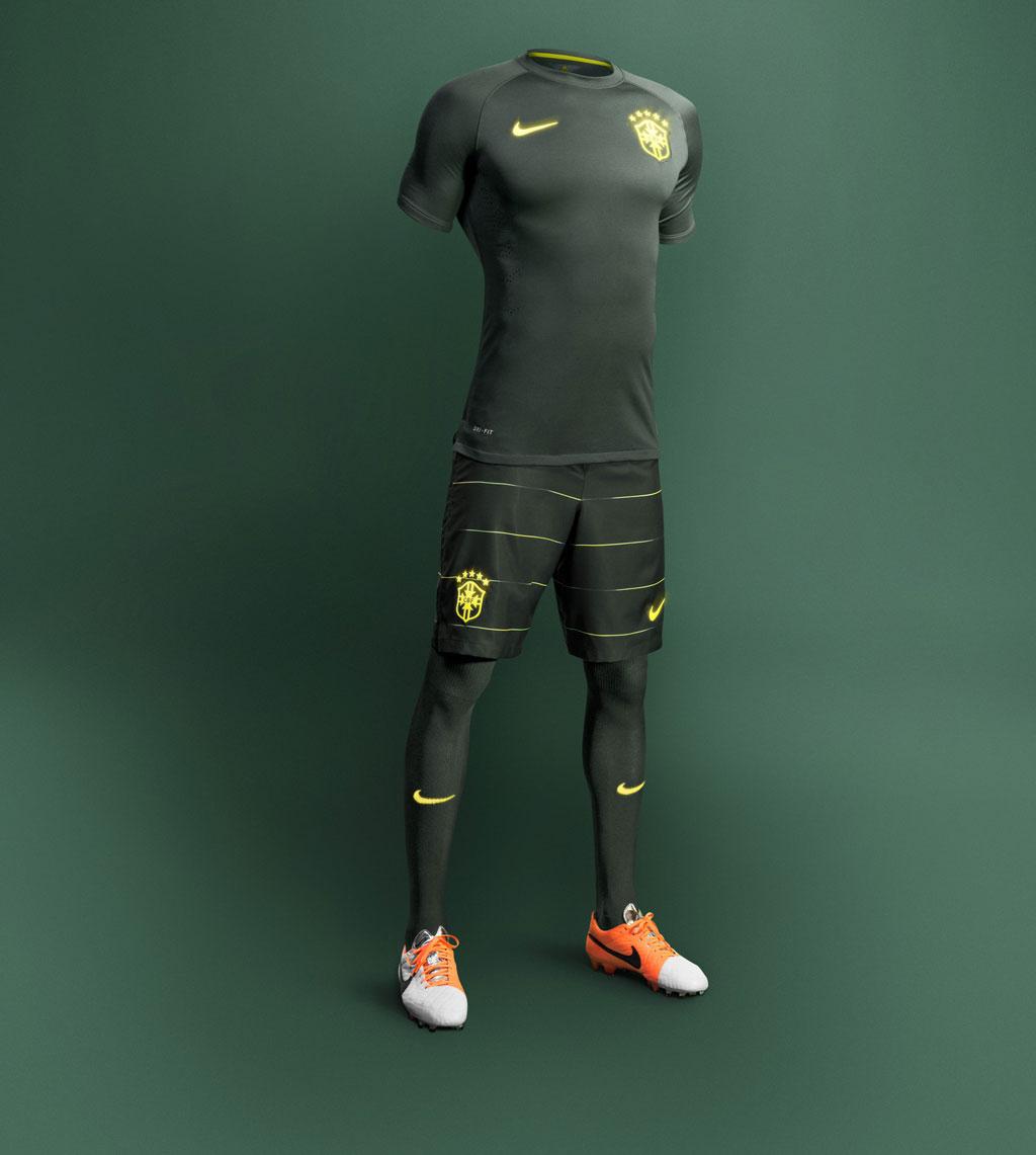 51f9eb9fce330 Seleção estreia uniforme verde no último treino antes de pegar a Croácia