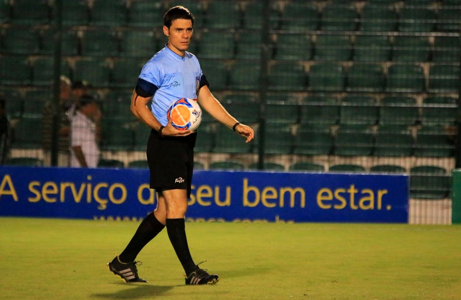 26e22d186f Rodrigo D Alonso apita Figueirense x Tigre