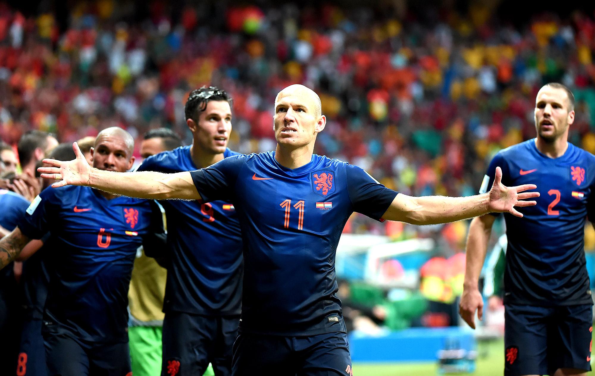 Holanda estreia com vitória humilhante sobre a Espanha 4906a6d5bb848