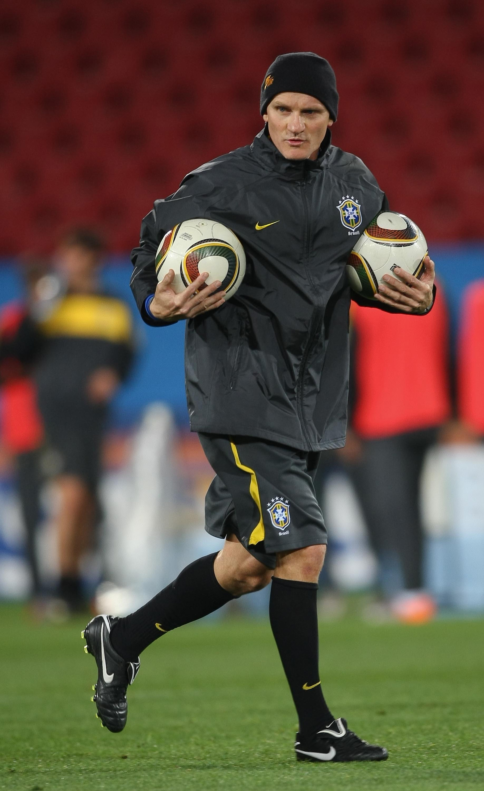 85392405eb Taffarel define perfil do novo goleiro e planeja sequência de jogos na  Seleção