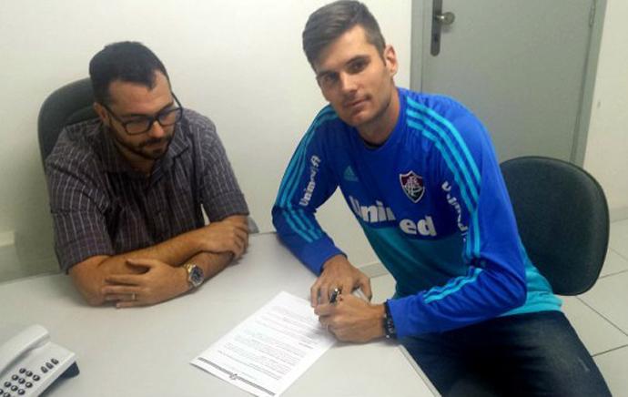 084eb2e78e809 Fluminense anuncia contratação do goleiro Júlio César
