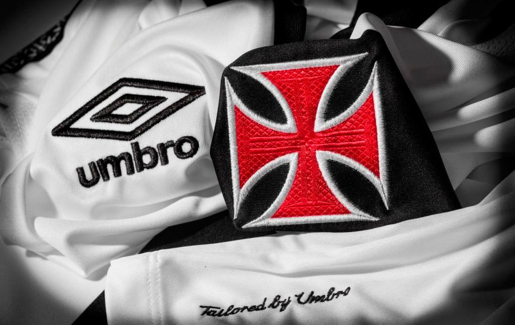 c39fca71a120c Nos detalhes  fornecedora mostra aperitivo da nova camisa do Vasco ...