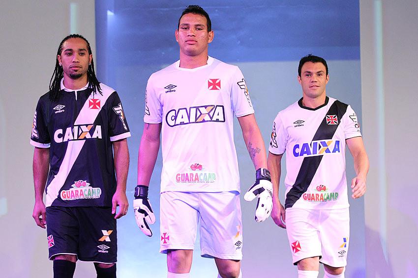 998384590a Vasco lança novos uniformes em evento concorrido na sede náutica ...